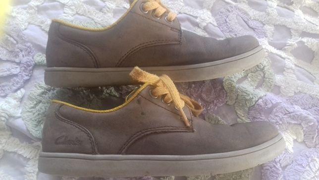Продам туфли CLARKS 32 размер на мальчика