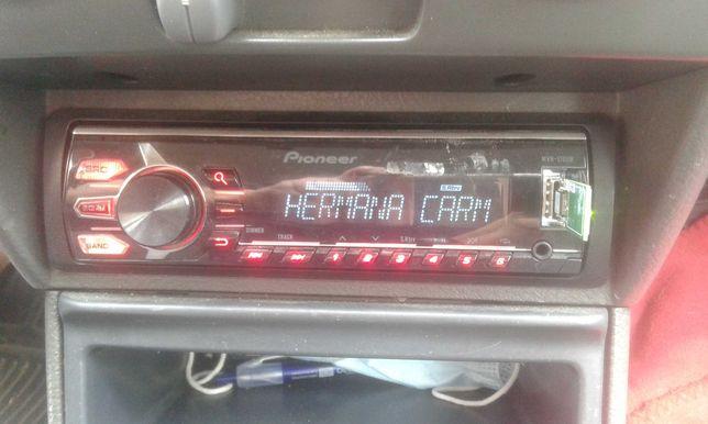 Rádio AUTO Pioneer com USB