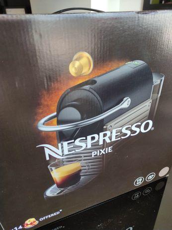 Máquina Nespresso Pixie