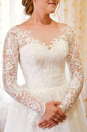 Продам весільну сукню в чудовому стані