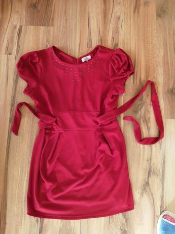 Krwisto - czerwona sukienka r. 44/46 z dżetami