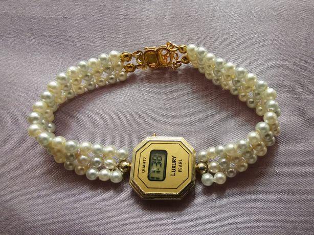 Электронные часы с браслетом под жемчуг