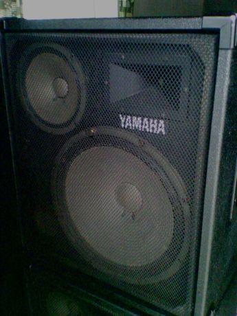 Mega Pechincha PA Yamaha 2 colunas amplificadas + mesa.