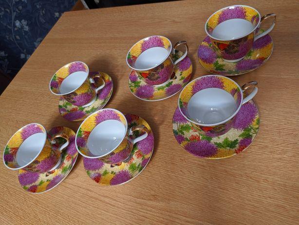 Чашки с блюдцами для чая