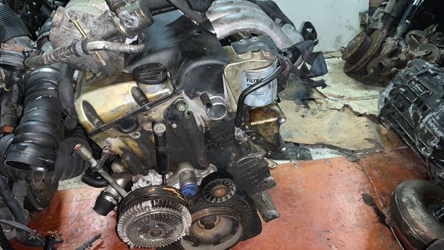 Двигун двигатель Мотор  mercedes 2.9Tdi sprinter e290