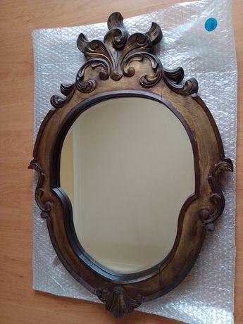 Espelho antigo com moldura em madeira