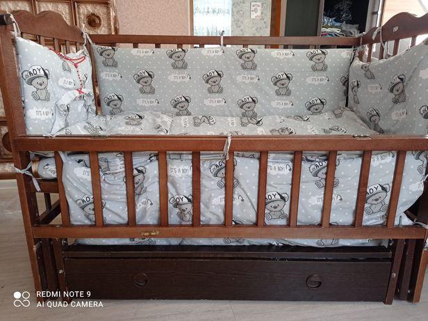 Продам ліжечко і набір 9в1