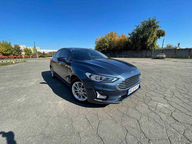 Продам отличный Ford Fusion SE Hybrid 19 г.в!