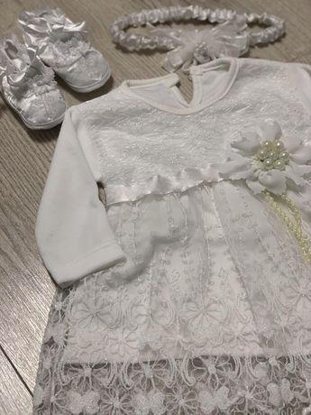 Платье, повязка и пинетки на девочку