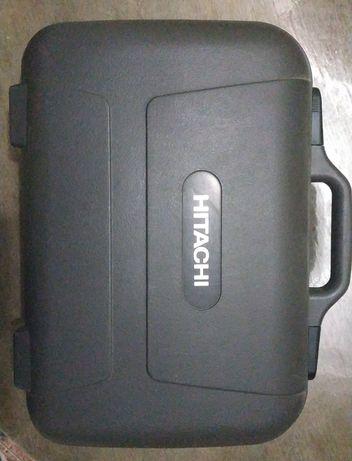 Продам полупрофессиональную видеокамеру