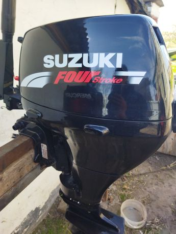 Продам лодочный мотор Сузуки 15 4 такта видео работ на вайбер