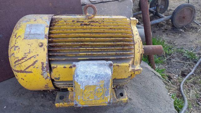 Silnik 30kv 1470 obr.