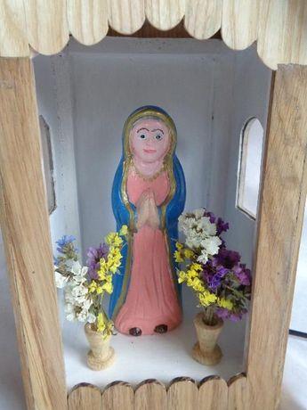 Kapliczka z drewna dębowego-Podświetlana żarówką ledową