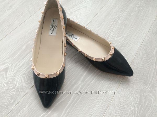 VALENTINO новые натуральный лак, крутые туфли 39 размер