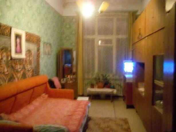 Продам 4х комнатную квартиру район между Холодной горой и ЮЖД