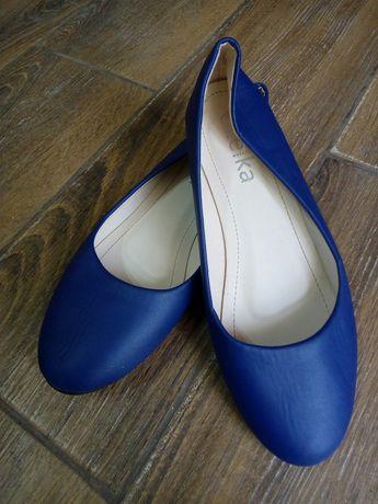 Рр 40 маломерят идут на 39 туфли, балетки темно синие, состояние новых