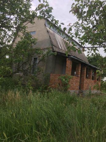 Продам недостроенный дом с выходом на ставок