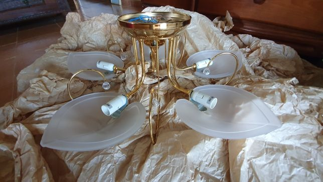 Candeeiro Dourado Sala, Iluminação 5 lâmpadas.