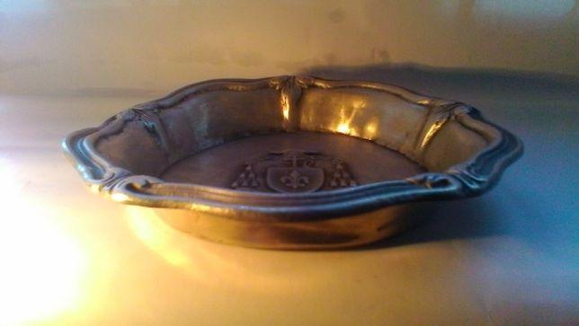 Taça metálica gravada
