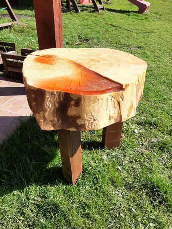 Stolik z plastra