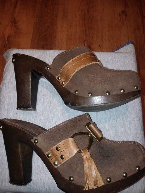 Skórzane buty na koturnie Russell&Bromley rozmiar 39