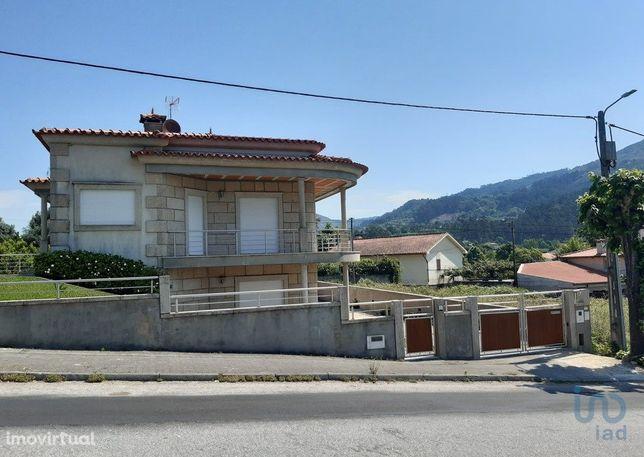 Moradia - 307 m² - T4