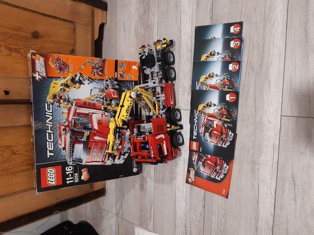 Lego Technic 8258 - Crane Truck