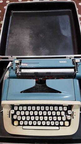 Máquina de escrever antiga (MESSA 5000).