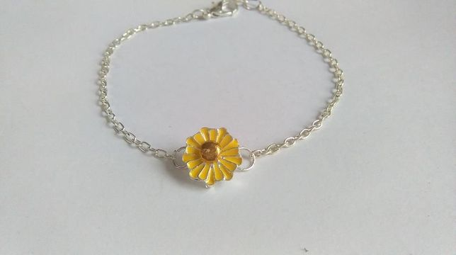 Bransoleta damska z kwiatem