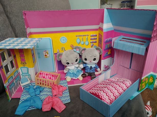 Tiny tukkins play house