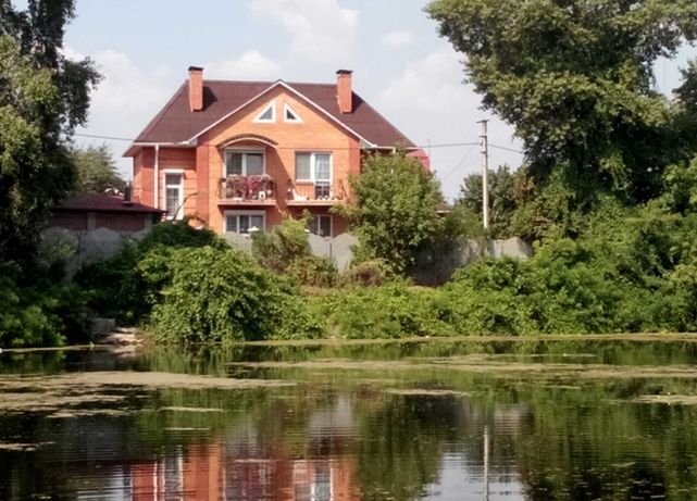 Сдам дом на берегу озера, Осокорки 1300 метров От метро Славутич