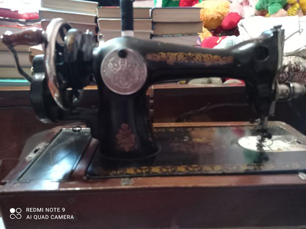 Продам швейную машинку Подольскую.