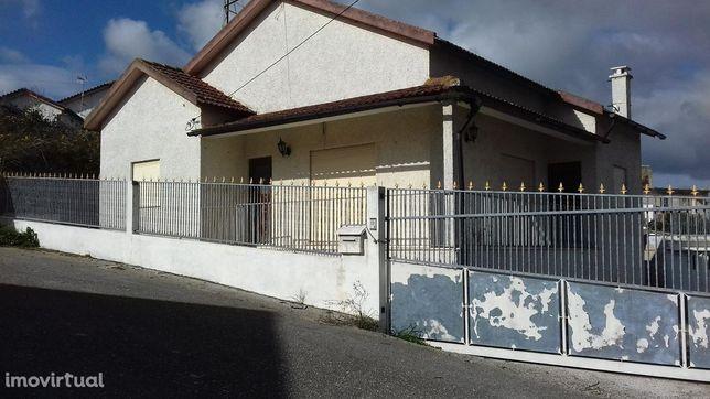 House/Villa/Residential em Coimbra, Montemor-O-Velho REF:823