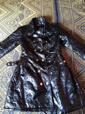 Пальто,плащ, куртка для девочки