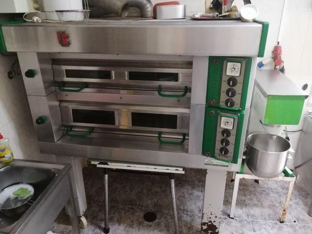 Oportunidade Forno pastelaria e batedeira (1500€)e(1.400 €)
