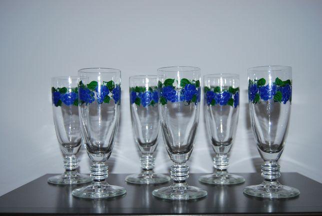 Kieliszki szampanówki ręcznie malowane, sześć sztuk.
