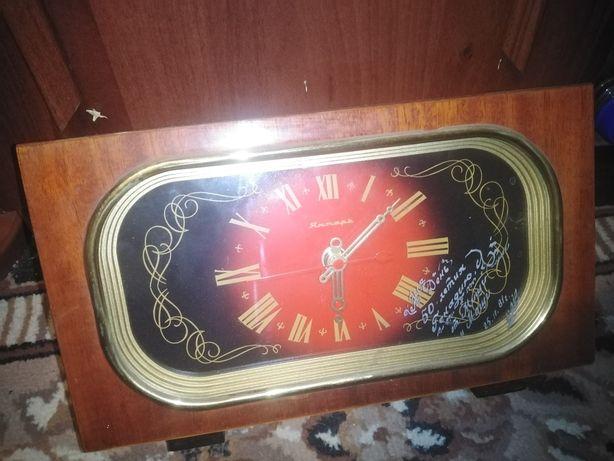 Часы янтарь на подзаводке