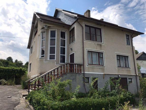 Продам великий 2-х поверховий будинок за межами міста