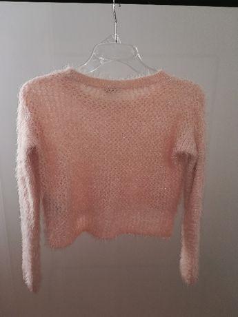 Mięciutki sweterek