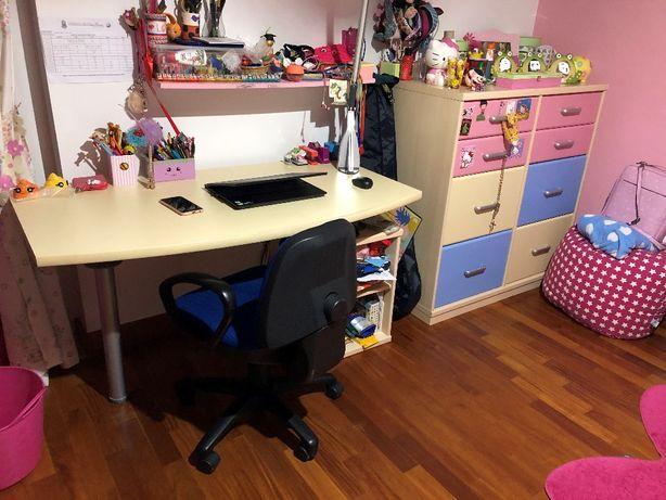 Mobília de quarto de criança (menina)