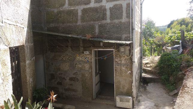 Casa de 2 pisos no Douro (2 floor house in Douro)