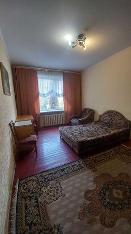 Сдам 1 комнату в 3 комнатной квартире. Универмаг Украина.