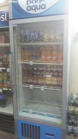 Холодильник вертикальный.