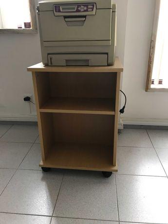 Móvel de apoio para escritório ou casa