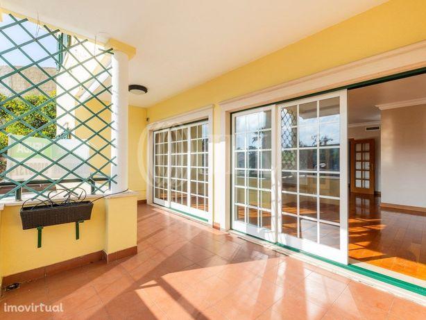 Apartamento T4 duplex, jardim inverno, Monte Estoril, Cas...