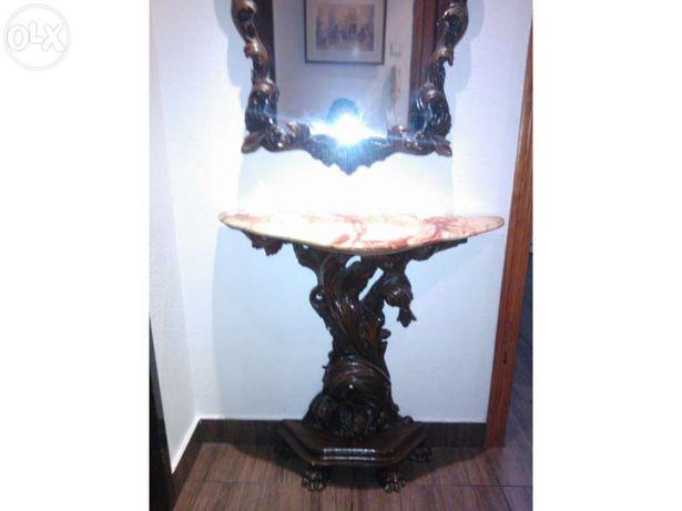 Mesa e Espelho