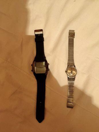 Дві пари годинників
