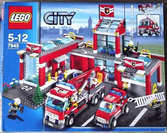 Unikat LEGO CITY 7945 - remiza strażacka - kompletny