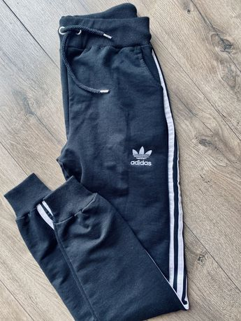 Spodnie dresowe dresy adidas m czarne nowe