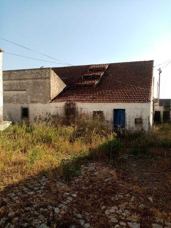 Armazéns e escritório Santiago do Cacém.